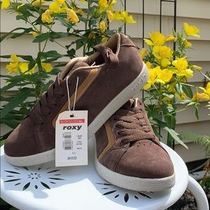 ROXY brown/tan sneakers in original box /sz 6.5